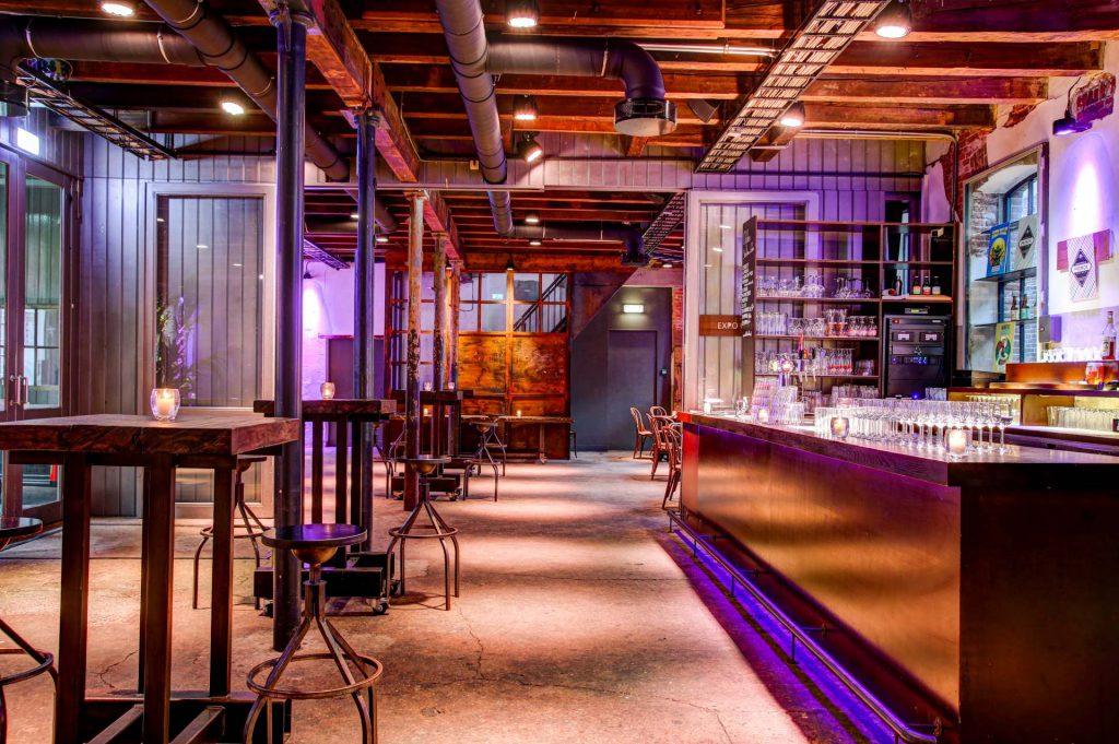 De Foyer en bar van Scheltema Leiden